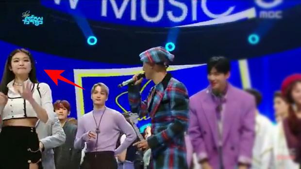 """Khi Jennie và nam idol chung sân khấu: """"Bung xõa"""" với Mino (WINNER) nhưng lại ngượng ngùng trước mỹ nam SM; được ship với Sehun ai ngờ cùng Kai """"thả thính"""" - Ảnh 14."""