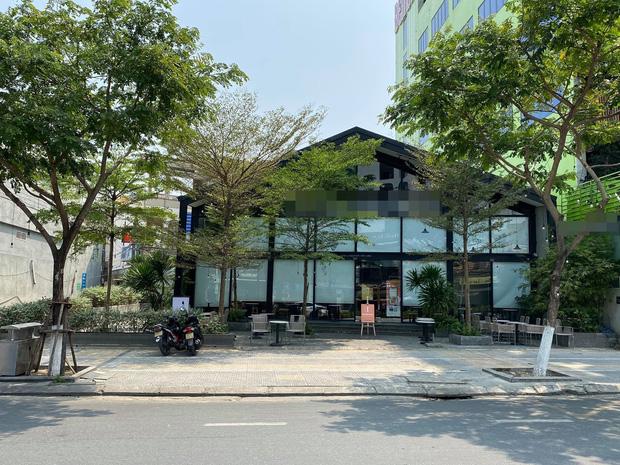 Ảnh: Nhiều cửa hàng, khách sạn ở Đà Nẵng đóng cửa vì có 2 du khách Anh nhiễm Covid-19 ghé thăm - Ảnh 5.