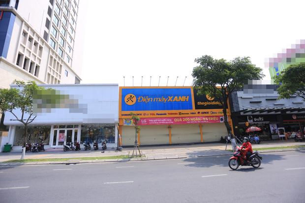 Ảnh: Nhiều cửa hàng, khách sạn ở Đà Nẵng đóng cửa vì có 2 du khách Anh nhiễm Covid-19 ghé thăm - Ảnh 4.