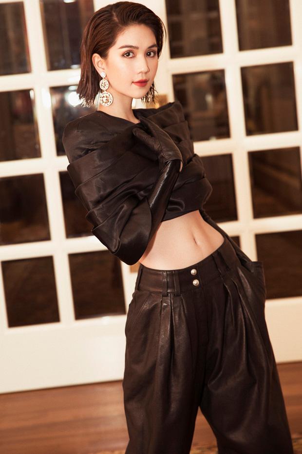 """Ngọc Trinh: Từ phiên bản khoe thân """"Can Lộ Lộ"""" chen chân thất bại vào nghệ thuật đến blogger triệu view của showbiz Việt - Ảnh 4."""