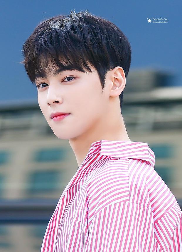 Bóc nhan sắc của dàn sao Hàn trên thực tế: V (BTS) - Suho (EXO) nổi là có lý do, mợ chảnh bỗng lộ diện giữa dàn idol - Ảnh 32.