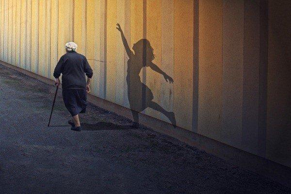 5 điều không làm được khi còn trẻ lúc về già sẽ hối tiếc vô cùng 0