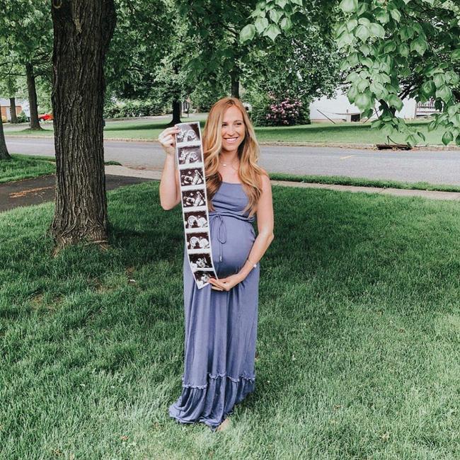 Bà mẹ sinh ra cả một đàn con dù các bác sĩ chẩn đoán chất lượng trứng kém - Ảnh 2.