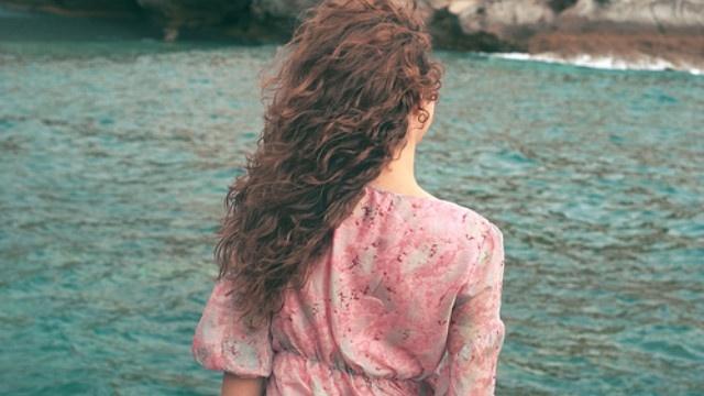 Tình yêu không chỉ là hạnh phúc mà còn là sự chịu đựng, là nỗi khổ đau