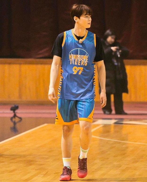 Ngây ngất trước visual điểm 10 của Cha Eun Woo khi chơi bóng rổ: Đích thực là nam thần thanh xuân trong mộng của mọi fan nữ! - Ảnh 10.