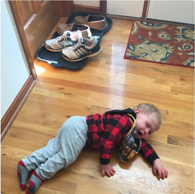 """""""Sao mẹ không ăn miếng bánh pizza đang nhai dở?"""" là một trong vô vàn những lý do của lũ trẻ mỗi khi thích khóc - Ảnh 3."""