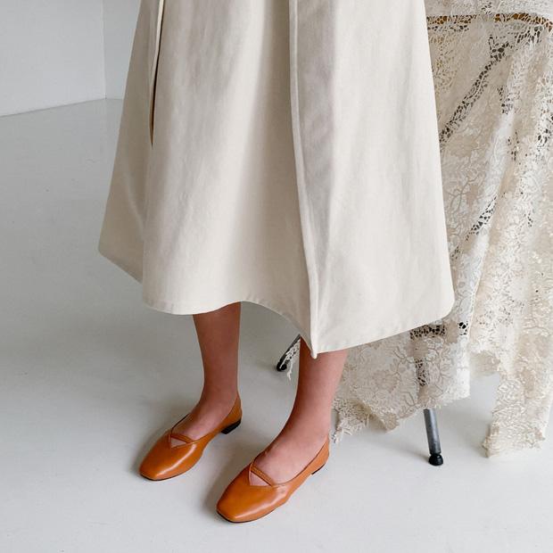 Chị em cần thủ sẵn 3 mẫu giày dép sau đây để ngày mưa gió vẫn sành điệu, chỉn chu từ đầu đến chân - Ảnh 2.