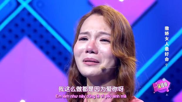Đòi ăn thanh long bỏ hạt, dưa hấu cắt hình trái tim, cô gái bị bạn trai chia tay ngay tại show tỏ tình - Ảnh 8.