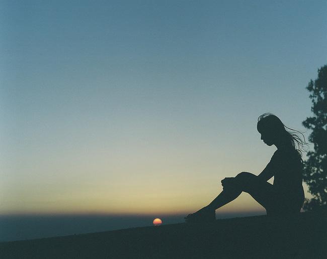 Kẻ thất bại lúc nào cũng tự nhủ lạc quan lên bởi người thành công sẽ không né tránh 5 loại cảm xúc tiêu cực này! - Ảnh 5.