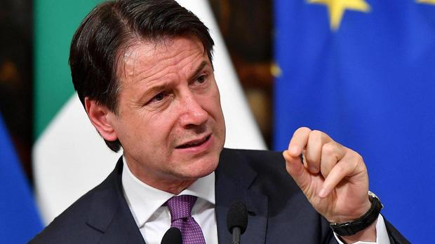 Italy tăng thêm 651 người tử vong vì nhiễm Covid-19, mức giảm nhẹ so với hôm trước, quan chức kêu gọi hi vọng nhưng đừng chủ quan - Ảnh 2.
