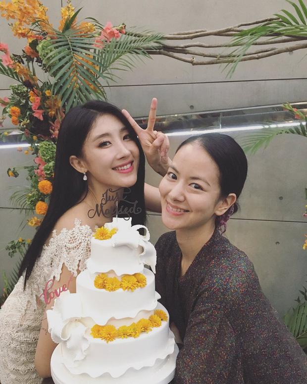 2 năm sau hôn lễ gây sốt với chồng đại gia hơn 7 tuổi, mỹ nhân nóng bỏng Hyuna khoe bụng bầu 27 tuần - Ảnh 10.