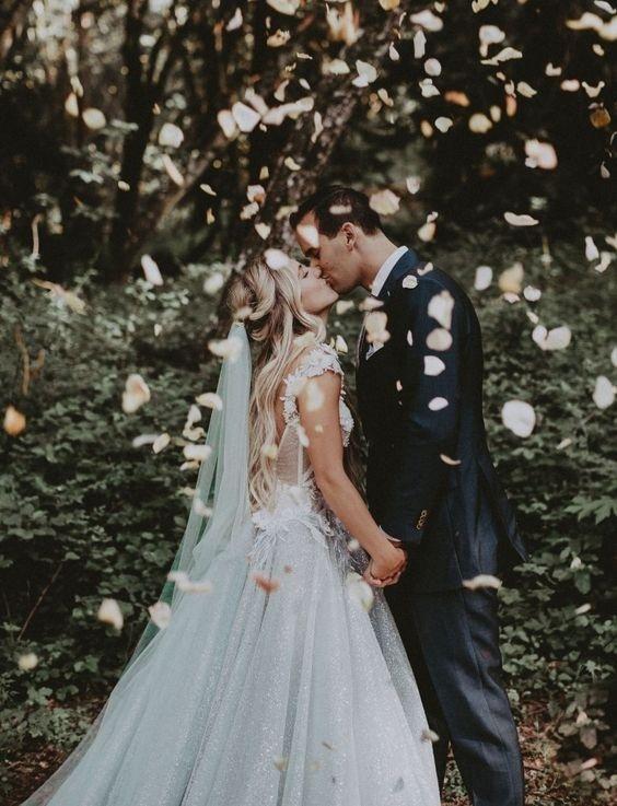 Gửi các cô gái: Chưa sẵn sàng thì đừng cưới, đừng làm lỡ dở cuộc đời của nhau chỉ vì sợ ế