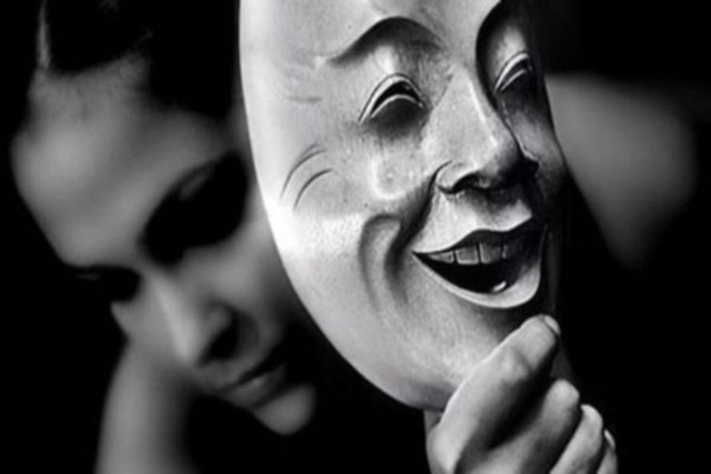 Trên đời này đáng sợ nhất là lòng người, mà ác độc nhất chính là miệng đời