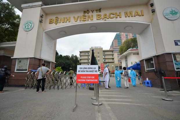Toàn cảnh dịch Covid-19 tại Bệnh viện Bạch Mai trong 10 ngày qua: Từ 2 ca đầu tiên đến ổ dịch phức tạp nhất cả nước - Ảnh 1.