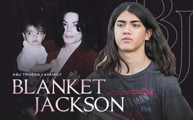 Cuộc sống cô độc của cậu con trai út nhà Michael Jackson: Đứa trẻ không mẹ, 7 tuổi đã mồ côi cha, sống vô hình trong gia tộc giàu sang  - Ảnh 1.