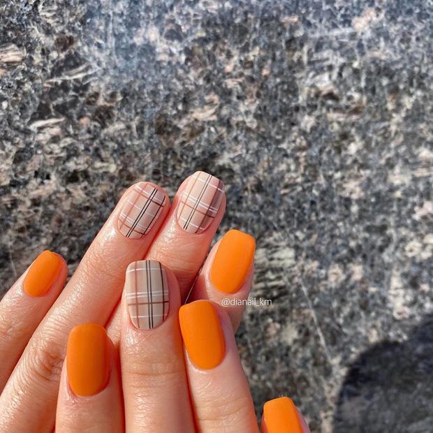Bộ nail làm tăng thần thái là có thật: 12 mẫu nail sang-xịn-mịn bạn nên ghim ngay đợi ngày bung lụa - Ảnh 7.