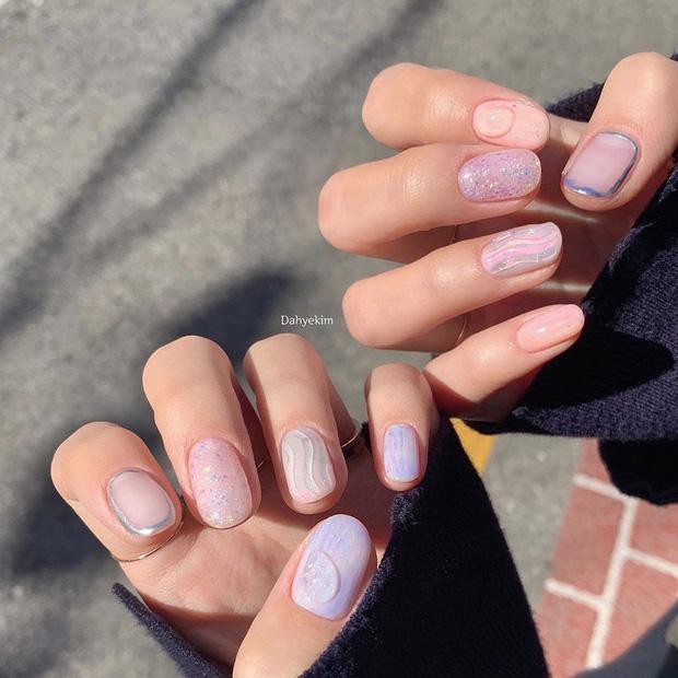 Bộ nail làm tăng thần thái là có thật: 12 mẫu nail sang-xịn-mịn bạn nên ghim ngay đợi ngày bung lụa - Ảnh 6.