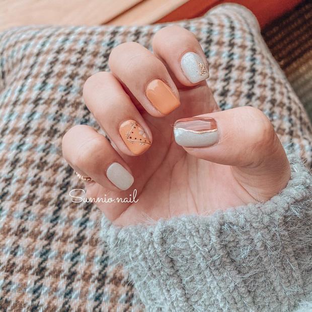 Bộ nail làm tăng thần thái là có thật: 12 mẫu nail sang-xịn-mịn bạn nên ghim ngay đợi ngày bung lụa - Ảnh 2.
