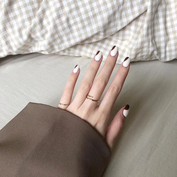 Bộ nail làm tăng thần thái là có thật: 12 mẫu nail sang-xịn-mịn bạn nên ghim ngay đợi ngày bung lụa - Ảnh 11.