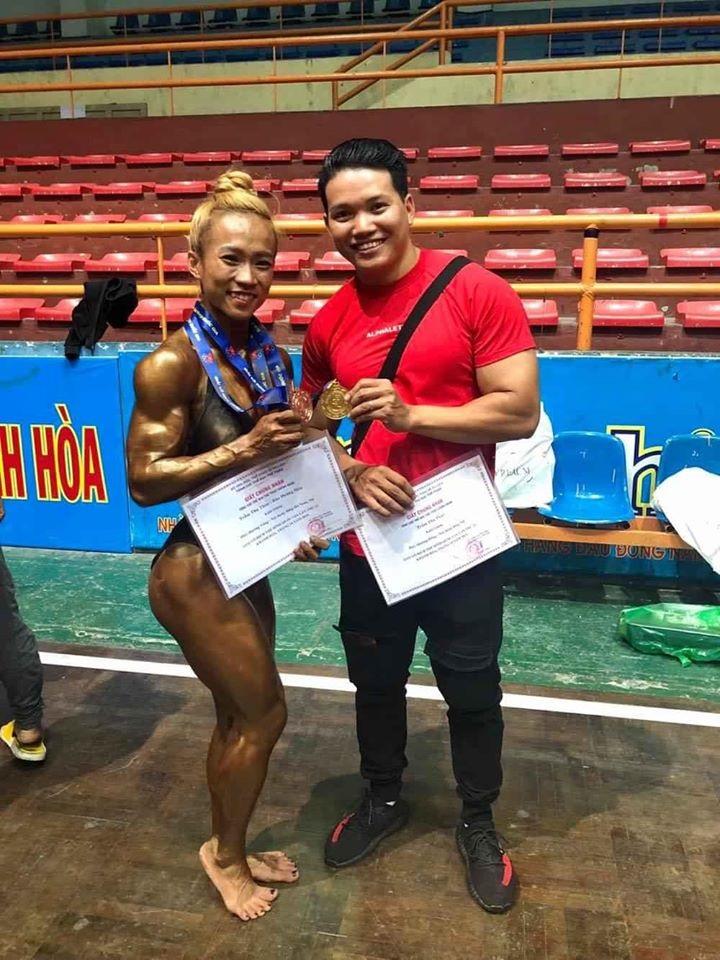 Hai vợ chồng cùng đạt giải cao trong các cuộc thi thể hình