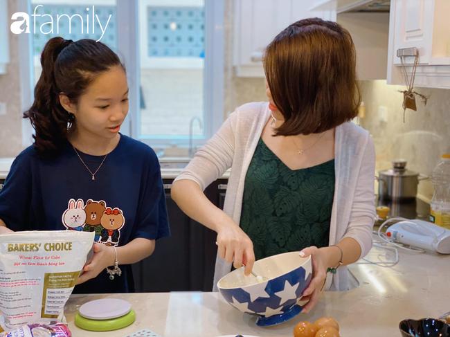 """Bé gái lớp 6 học mẹ làm bánh vừa ngon vừa đẹp như thợ chuyên nghiệp, nhìn thành quả ai cũng """"mắt tròn mắt dẹt"""" - Ảnh 2."""