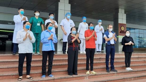 Cựu đại sứ Pháp tại Việt Nam: Người dân Việt Nam hoàn toàn có thể tự hào về đội ngũ y tế của mình - Ảnh 3.