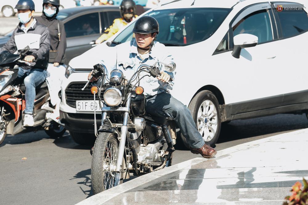 Ngày thứ 3 dịp nghỉ lễ ở Đà Lạt: Vừa ra đường đi chơi, du khách đã nếm mùi kẹt xe nguyên cả buổi sáng - Ảnh 10.