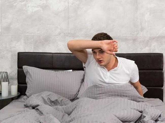 Bất kể nam hay nữ, có 3 hiện tượng này khi ngủ vào ban đêm, chứng tỏ thận rất khỏe mạnh - Ảnh 2.