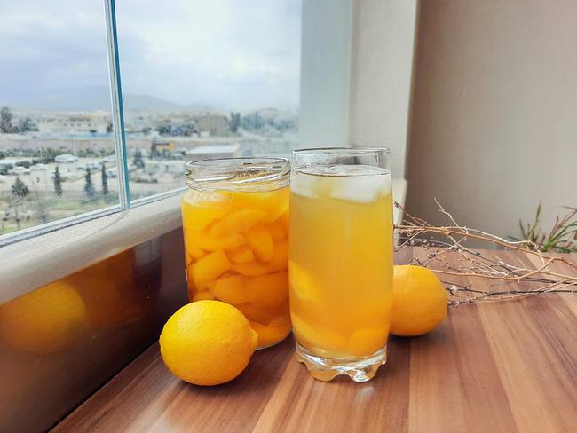 Ra ngoài hàng uống nhiều giờ mới biết hoá ra tự làm trà đào cam sả giải nhiệt mùa hè cực dễ  - Ảnh 2.