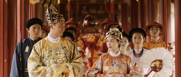 Những bóng hồng trong cuộc đời Bảo Đại: Nam Phương Hoàng hậu của Hoà Minzy khổ từ MV đến ngoài đời, trong lịch sử Hân Tuesdaykhông phải là trùm cuối - Ảnh 5.