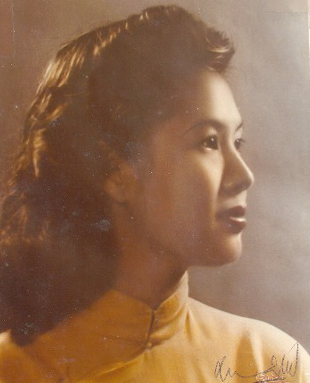 Những bóng hồng trong cuộc đời Bảo Đại: Nam Phương Hoàng hậu của Hoà Minzy khổ từ MV đến ngoài đời, trong lịch sử Hân Tuesdaykhông phải là trùm cuối - Ảnh 7.