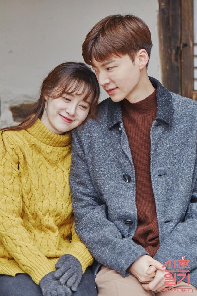 Sống độc thân đến già, kết hôn muộn, hôn nhân không sinh con,... là những cách sống mà giới trẻ Hàn Quốc đang hướng đến: Nguyên nhân là vì sao? - Ảnh 1.