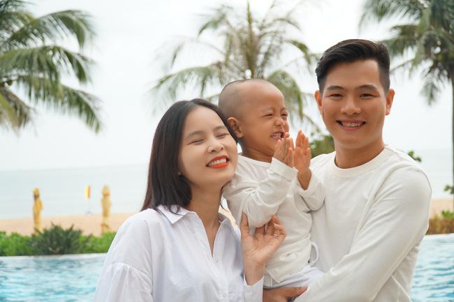"""Cặp vợ chồng trẻ đóng cửa chuỗi cửa hàng ăn vặt Sài Gòn thu nhập 100 triệu/tháng để xây mô hình """"gia đình toàn thời gian"""" hạnh phúc - Ảnh 2."""