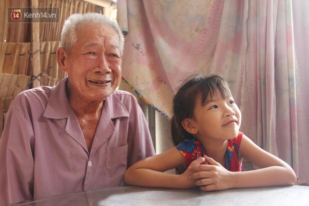 Bố mất được 2 năm thì mẹ qua đời, đứa trẻ 7 tuổi côi cút bên bàn thờ đợi anh chị đi làm thuê kiếm tiền về trả nợ - Ảnh 5.