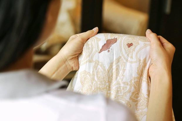 Chảy máu khi đang làm chuyện ấy: phái nữ có thể gặp phải 6 vấn đề ảnh hưởng không nhỏ đến việc sinh sản - Ảnh 3.