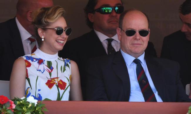 """Năm 14 tuổi mới biết mình là công chúa Monaco để rồi trở thành """"miếng mồi ngon"""" của truyền thông và cuộc đời rẽ sang một trang hoàn toàn khác - Ảnh 9."""
