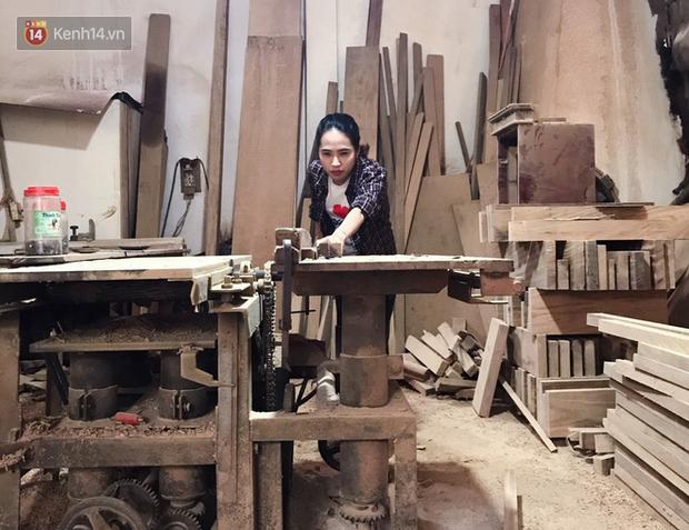 """Bỏ công việc 30 triệu/tháng, mẹ trẻ về làm nghề thợ mộc để """"khắc tiếp ước mơ của bố"""" - Ảnh 7."""