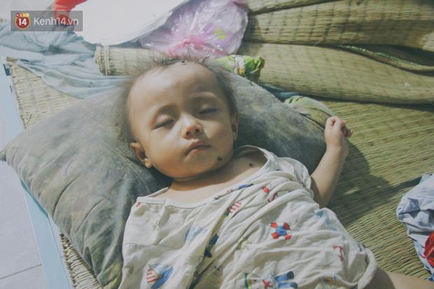 5 đứa trẻ đói ăn bên người mẹ khờ mang bụng bầu 7 tháng: Con không muốn mẹ sinh em nữa, nhà con nghèo lắm rồi - Ảnh 12.