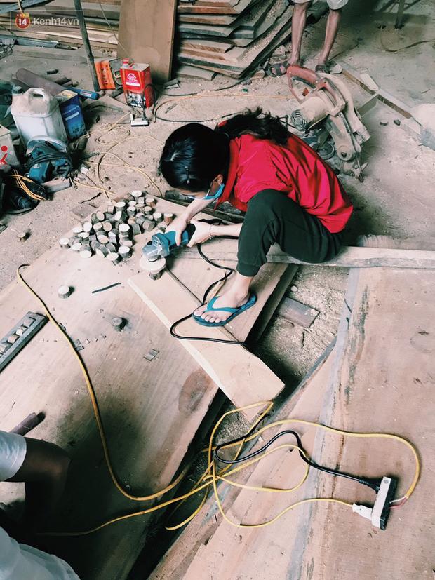 """Bỏ công việc 30 triệu/tháng, mẹ trẻ về làm nghề thợ mộc để """"khắc tiếp ước mơ của bố"""" - Ảnh 5."""