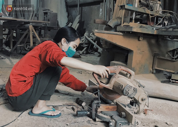 """Bỏ công việc 30 triệu/tháng, mẹ trẻ về làm nghề thợ mộc để """"khắc tiếp ước mơ của bố"""" - Ảnh 9."""