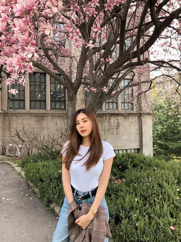 Cô bạn thân của Lisa ở Thái Lan: Nhan sắc đẹp chẳng kém idol, style đơn giản mà vẫn sexy hết nút - Ảnh 8.