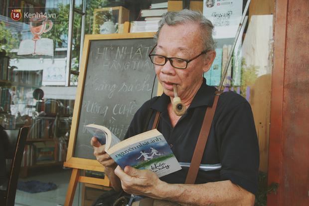 Gặp ông chủ quán uống cà phê trả tiền bằng sách độc nhất Sài Gòn: Mang 1 quyển sách tặng quán, nhận một phần nước bất kỳ - Ảnh 11.