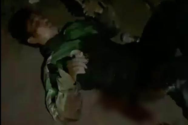 Vụ nam tài xế bị đâm 6 nhát, cướp xe máy lúc rạng sáng ở Hà Nội: Nạn nhân qua cơn nguy kịch, vẫn chưa bắt được nghi phạm - Ảnh 1.