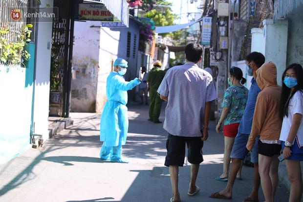 Từ 13 giờ chiều nay, Đà Nẵng thực hiện các biện pháp giãn cách xã hội - Ảnh 1.