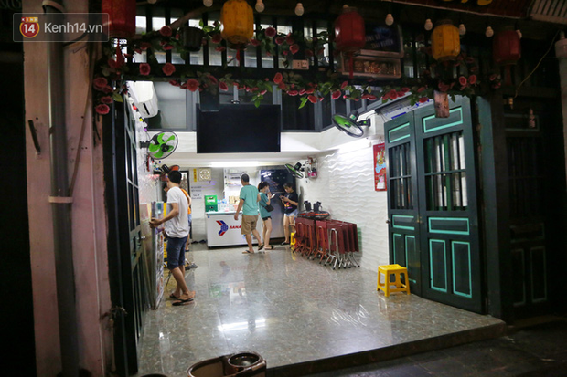 Hà Nội: Đúng 0h ngày 1/8, phố Tạ Hiện đồng loạt tắt đèn, đóng cửa, chìm vào tĩnh lặng để phòng dịch COVID-19 - Ảnh 8.