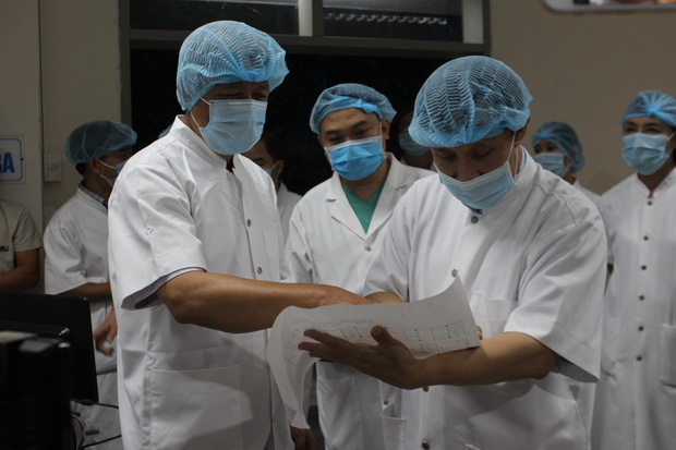 18 bệnh nhân Covid-19 rất nặng đang được điều trị đặc biệt ở Huế - Ảnh 1.
