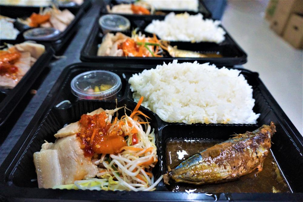 Người Đà Nẵng nấu hàng nghìn suất ăn VIP phục vụ miễn phí 3 Bệnh viện đang bị cách ly  - Ảnh 4.