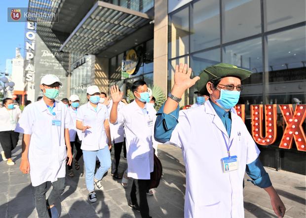 Nữ bác sỹ trẻ xinh đẹp ở Bình Định xung phong vào tâm dịch chi viện cho Đà Nẵng: Khi nào hết dịch con mới về! - Ảnh 4.