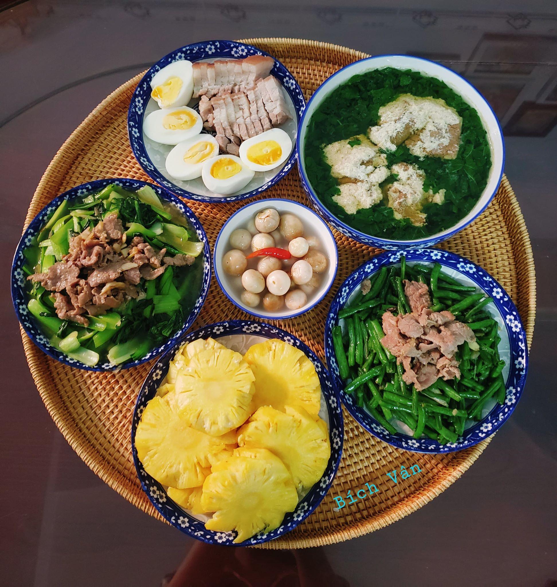 Chỉ từ 130k trở lên, bà nội trợ đảm Sài Gòn sắm sửa mỗi bữa cơm đều như đãi tiệc với các món bổ dưỡng, đẹp mắt cho gia đình 6 thành viên - Ảnh 13.