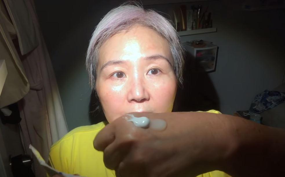 60 tuổi da vẫn căng mịn không một nếp nhăn: Cụ bà bật mí tuýp retinol tin tưởng suốt 6 năm qua, kèm luôn công thức 1:1 mà chị em nào cũng cần học theo - Ảnh 6.